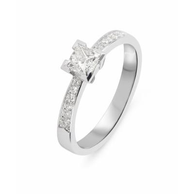 nettoyer une bague or blanc et diamant