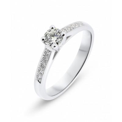bague fiancailles saphir bague fincailles rubis bague solitaire diamant a39d1b7c1f71