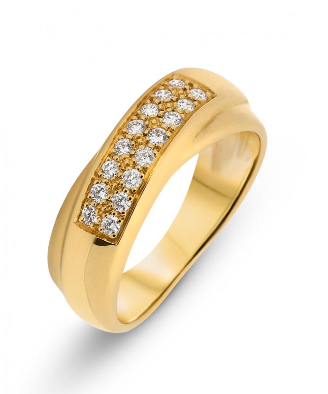 bague en or avec des diamants