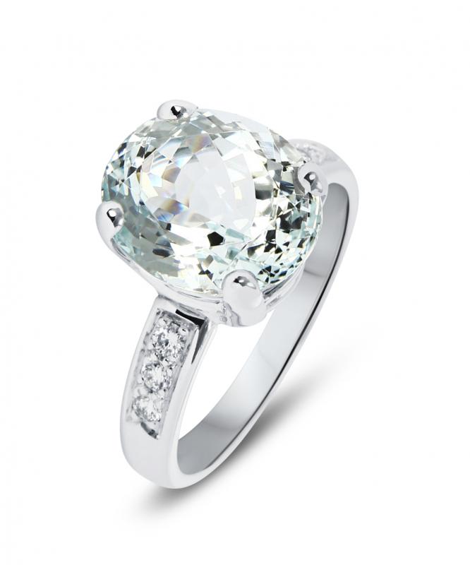 fdeaa224c10 Bague Or Blanc 750 Aigue Marine Ovale 12x10mm et Diamant Ref. 43779