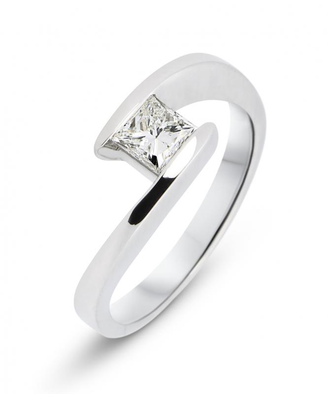 bague or blanc 750 diamant princesse ref 38197. Black Bedroom Furniture Sets. Home Design Ideas