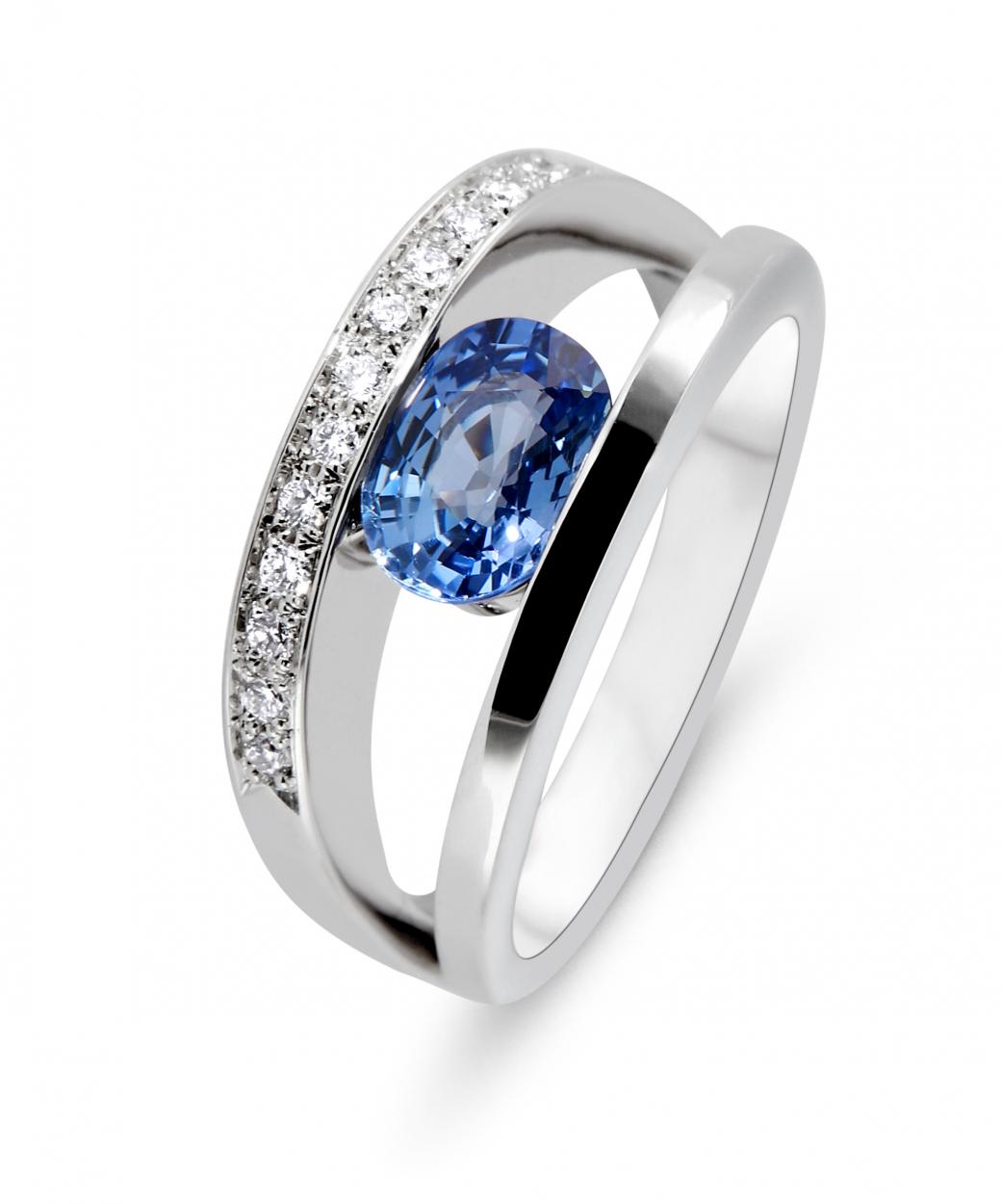 Bien-aimé Bague Or Blanc 750 Saphir Ceylan 8x6mm et Diamant Ref. 44078 DX15