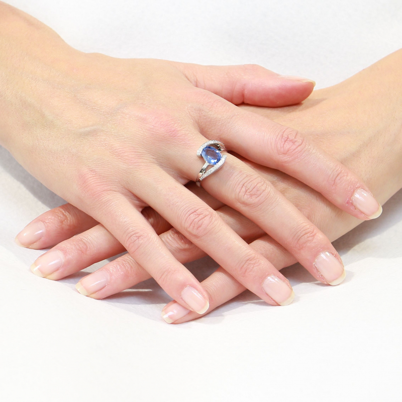 Bague Or Blanc 750 Saphir Ceylan Ovale Et Diamant Ref 37228