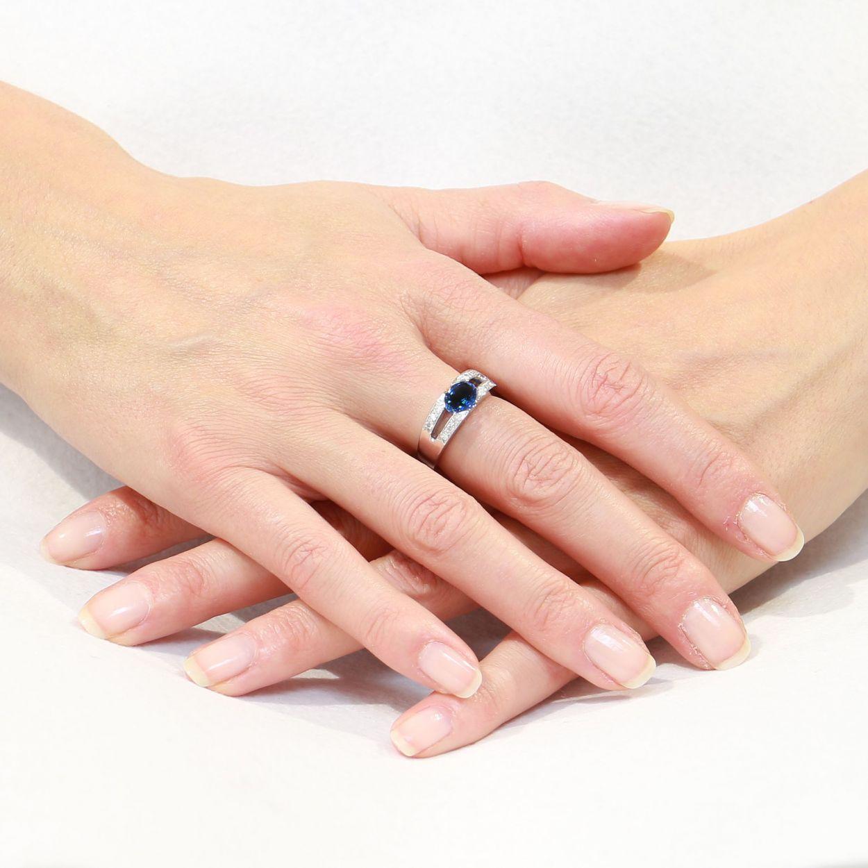 Bien-aimé Bague Or Blanc 750 Saphir Ovale 8x6mm et Diamant Ref. 41352 DX15