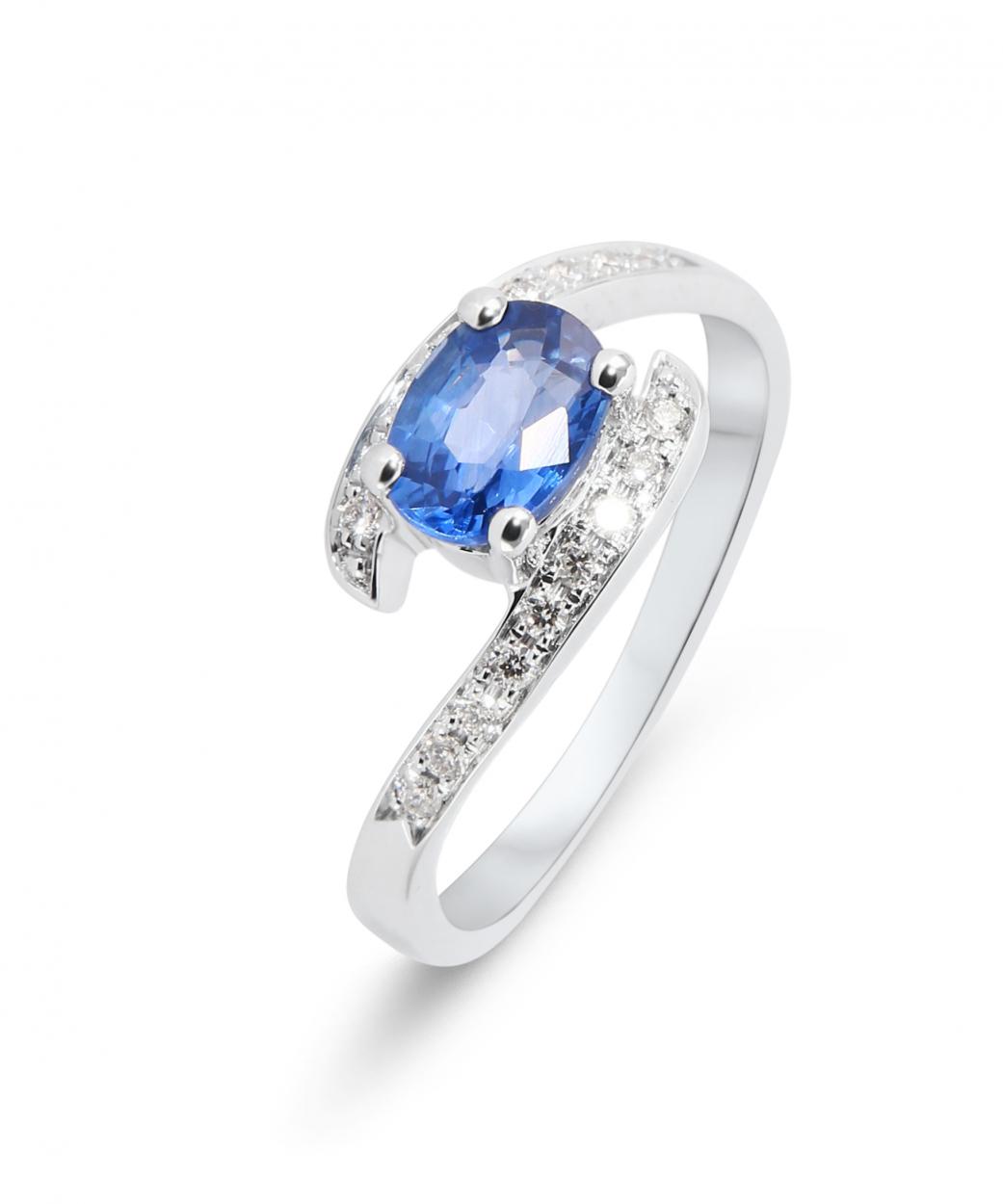 Célèbre Bague Saphir Or Blanc 7x5mm et Diamants Ref. 30367 MI73