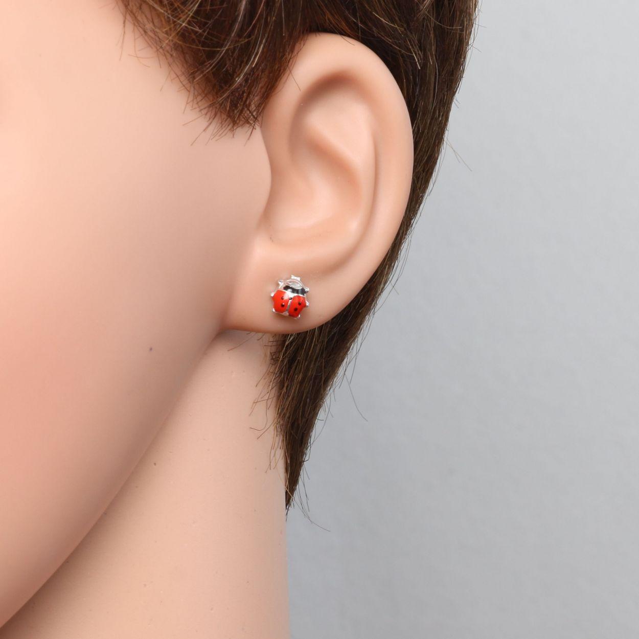 boucle d'oreille clou rouge