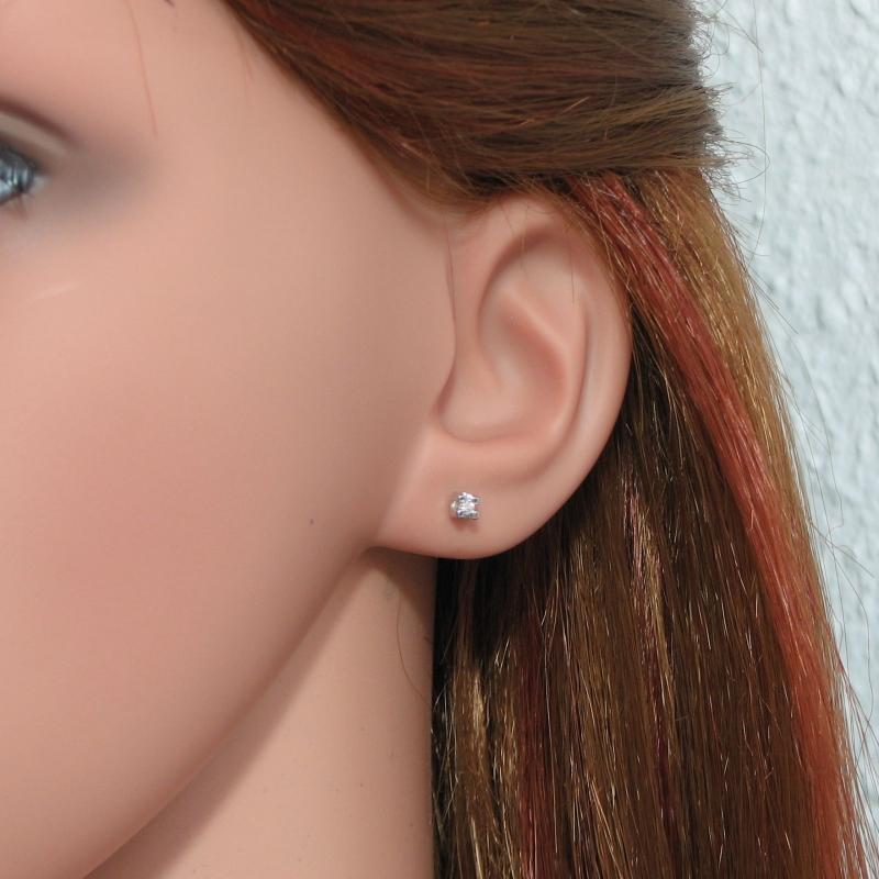 boucles d 39 oreilles diamant 2mm or blanc ref 20844. Black Bedroom Furniture Sets. Home Design Ideas