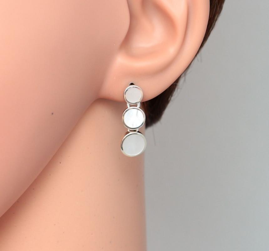 boucle d'oreille blanche femme