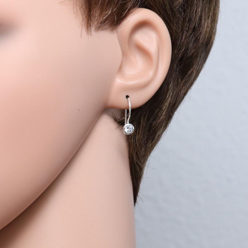 boucles d 39 oreilles pendantes argent topaze bleue trait e. Black Bedroom Furniture Sets. Home Design Ideas