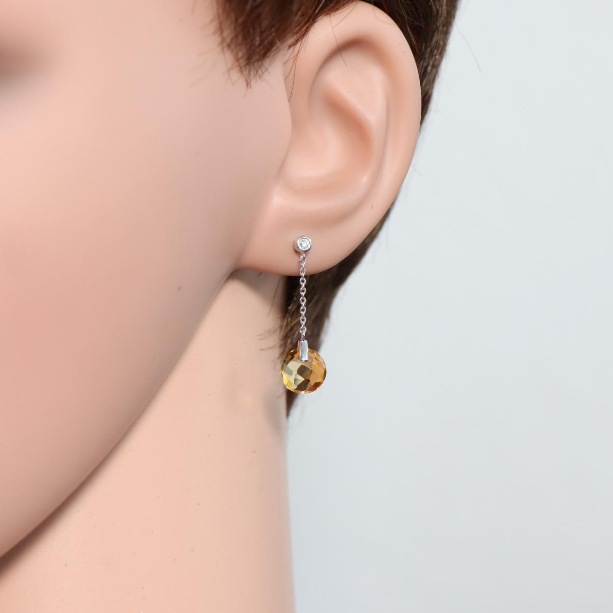 Boucles d oreilles pendantes en or blanc