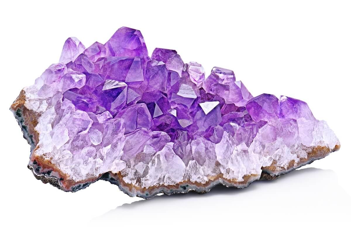 Améthyste : propriétés, vertus et signification de la pierre