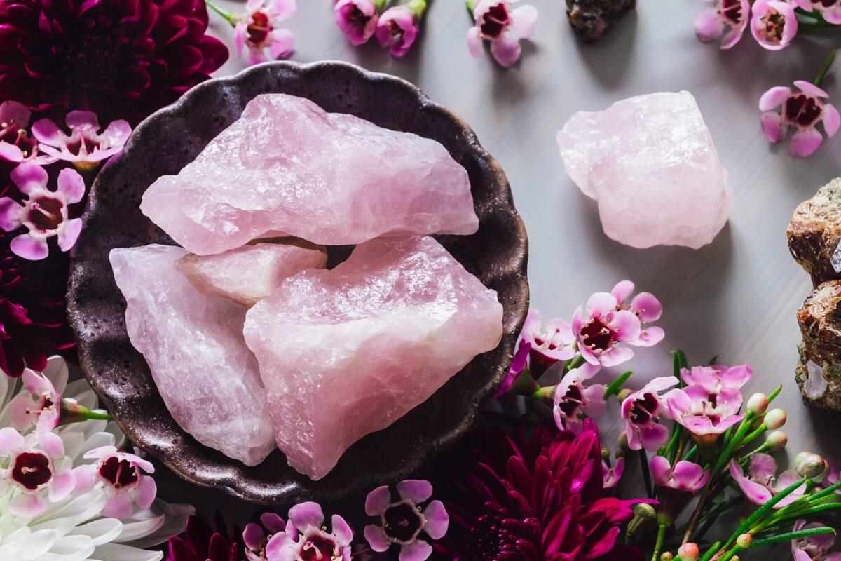 Quartz Rose: propriétés, vertus et signification de la pierre